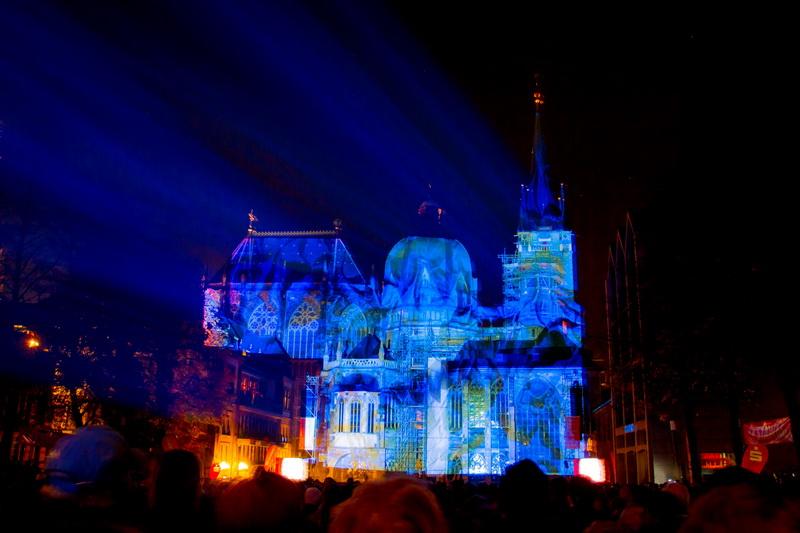 Aachen-Dom-im-Licht-2015-07