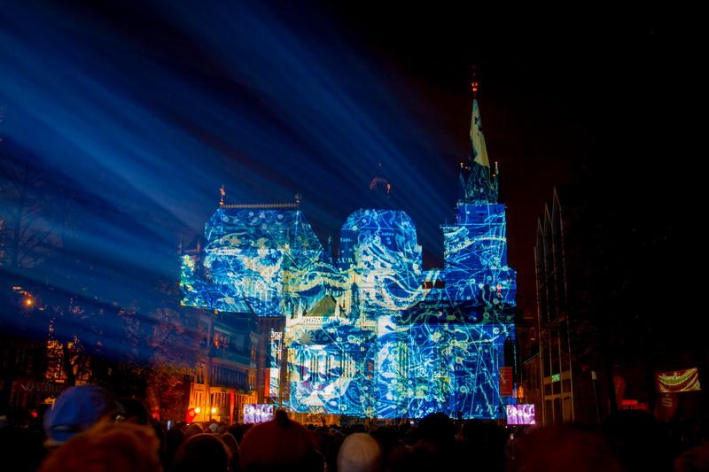 Aachen-Dom-im-Licht-2015-17