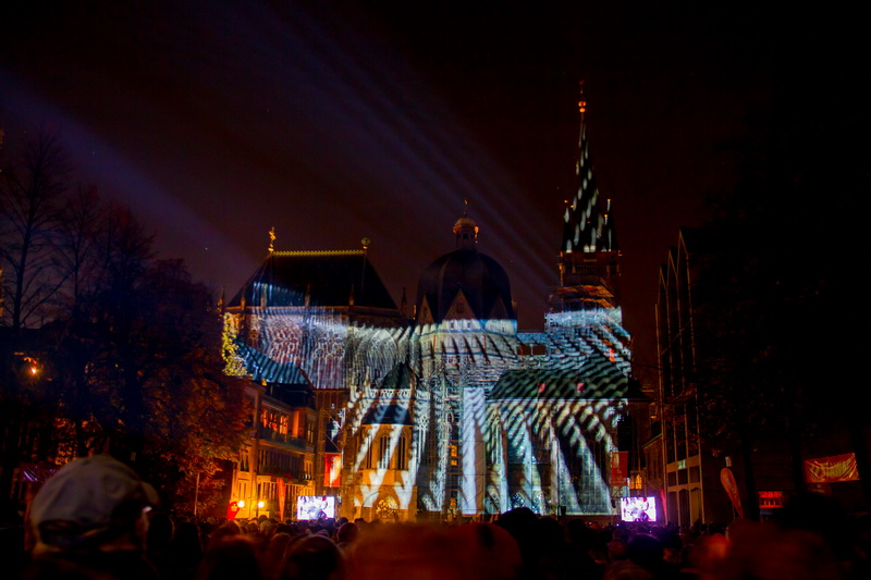 Aachen-Dom-im-Licht-2015-31