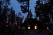 beleuchtetes Ferienhaus in Schweden